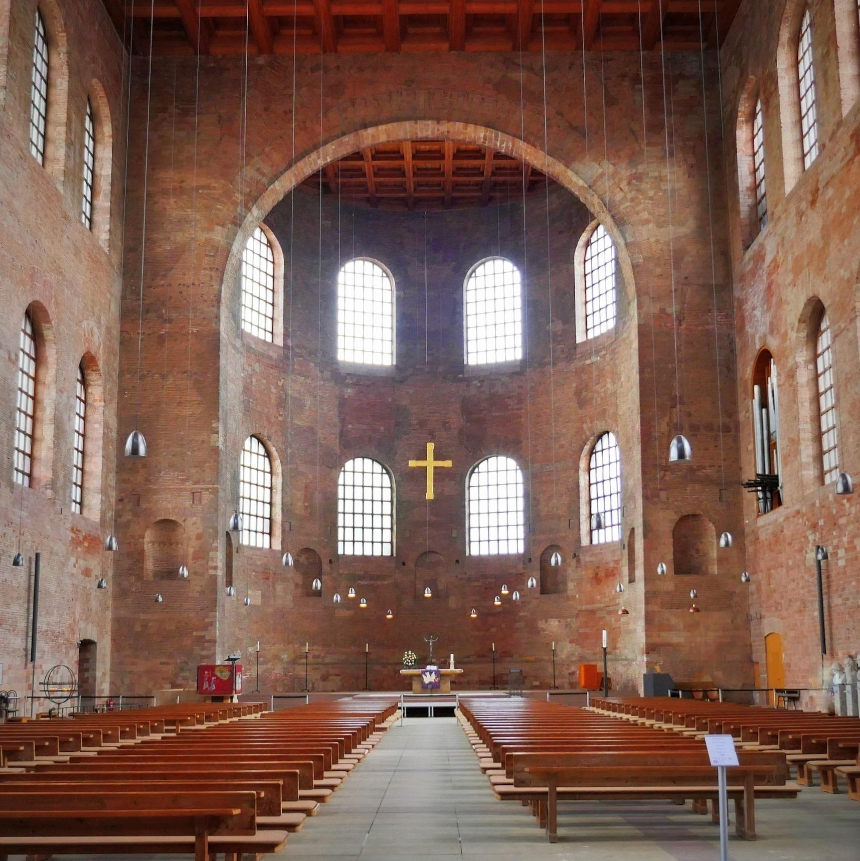 Innenansich einer Basilika